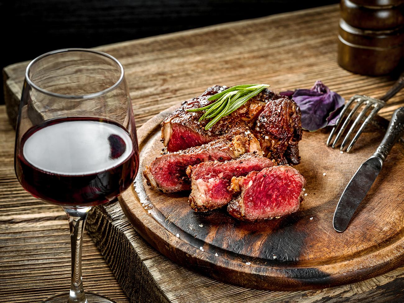 美味しいステーキの焼き方レッスンも!肉料理にぴったりなワイン講座