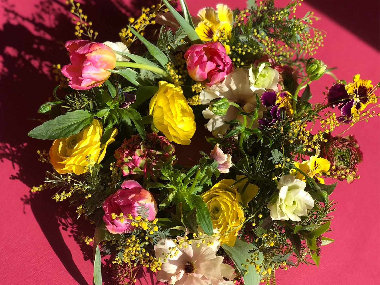 春満開でおもてなし!生花のフラワーリースづくり講座
